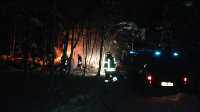 Under natten larmades räddningstjänst till en brand i Orsa. Foto: Johan Szymanski