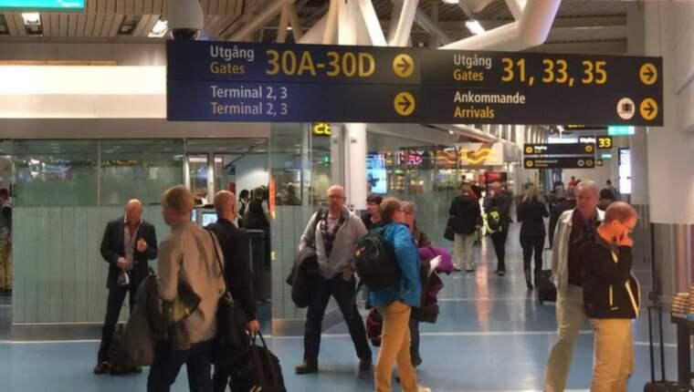 Ett misstänkt fall av ebola undersöks just nu i Sverige. Detta sedan en man under eftermiddagen har ankommit med flyg till Arlanda. Foto: Tomas LePrince