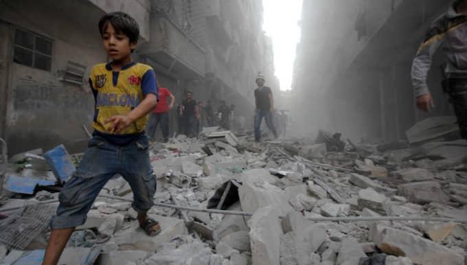 Husruiner i Aleppo efter en missilattack från regeringsstyrkorna i ett bostadskvarter. Foto: Ameer Al-Halbi