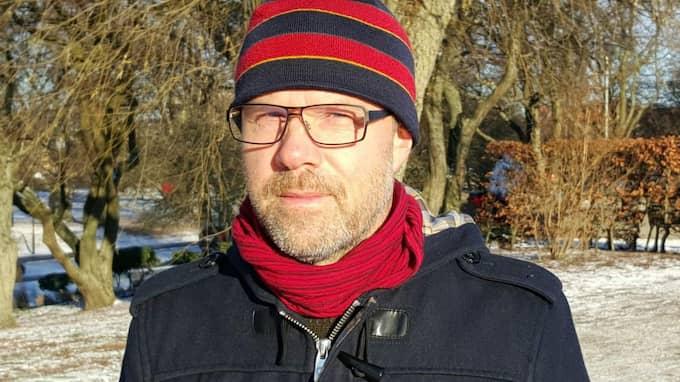 Jesper Johansson grep in när barnvagnen och pappan gick genom isen. Foto: Mikael Nilsson