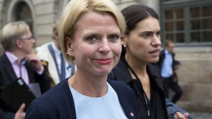 Segregationen utmanar. Vi kan inte tillåta enklaver där jämställdhetens ideal är satta på undantag, jämställdhetsminister Åsa Regnér (S). Foto: Ylwa Yngvesson