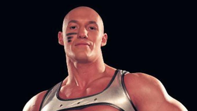 Roddy Benjaminssons muskler gör honom nästan omöjlig att besegra för utmanarna i Gladiatorerna. Foto: Pressbild