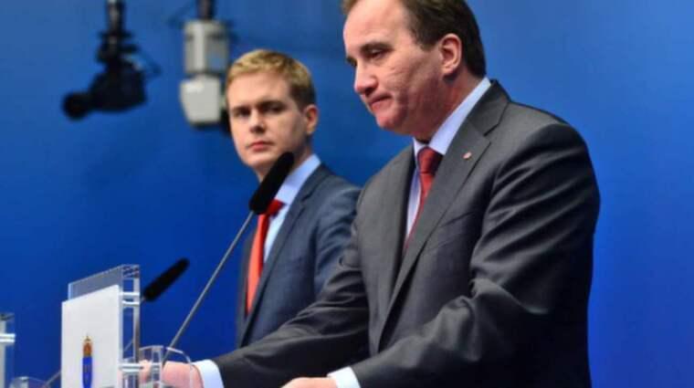 Fridolin och Löfven under presskonferensen i dag.