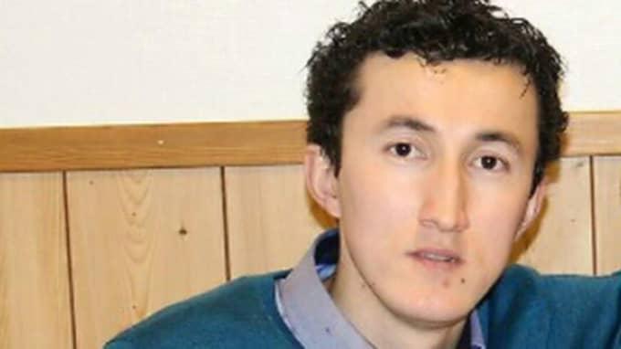23-årige Azamjon Shokirov lyckades rädda en ung tjej undan ett stort antal unga män i Kaomar på nyårsafton. Jag var beredd att slåss, jag blev arg, säger han. Foto: Privat