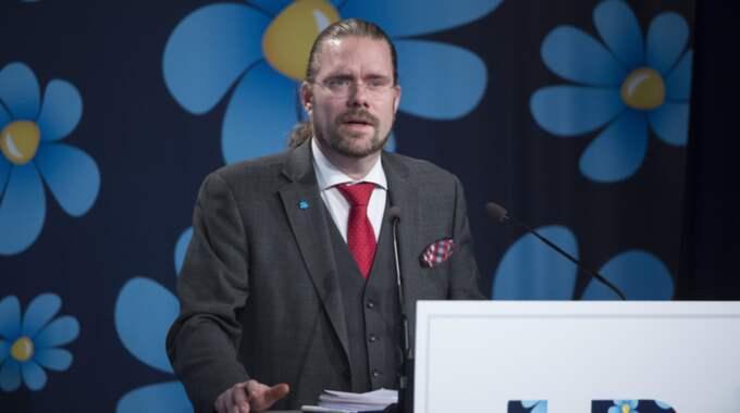 """Debatten rasar om de tolv nya flyktingboendena i Göteborg. """"Antingen vet Jörgen Fogelklou, SD, inte skillnaden mellan ett asylboende och ett flyktingboende, eller så vill han vilseleda och påverka den allmänna diskussionen"""", skriver GT:s ledarkrönikör. Foto: Sven Lindwall"""