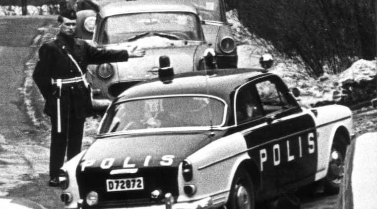 LOKALPOLIS.. Leif GW Persson menar att det är hög tid att den svenska polisen delas upp i tre delar - lokal, regional och nationell verksamhet - som det är i stora delar av övriga västvärlden. Foto: Åke Malmström