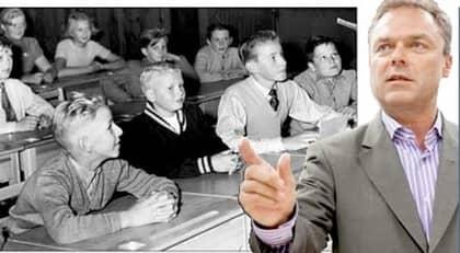 KLARA ORDER. Bara den som har en lärarexamen i botten ska kunna bli lektor oavsett om personen har 60 poäng i pedagogik vid sidan av sin doktorshatt. Hon eller han är olämplig, enligt utbildningsminister Jan Björklund.