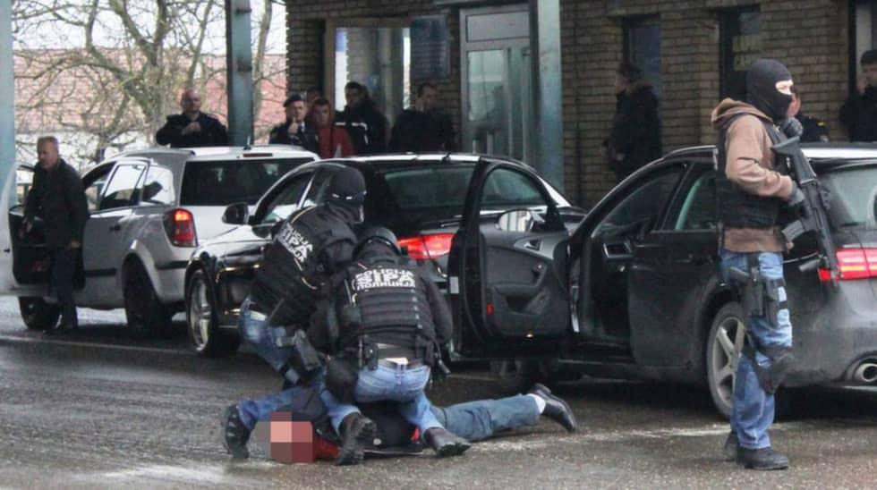 Tre av de gripna männen är bosnier och en man är svensk. Foto: SIPA
