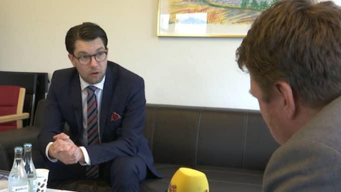 Sverigedemokraterna vill införa en bonustrappa för invandrare och flyktingar.