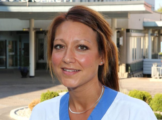 """TILLBAKA. Helena Wahlman, 35, undersköterska i Nyköping, tycker att första jobbveckan efter semestern kan vara tuff. """"Samtidigt är det roligt att få träffa arbetskollegerna och komma tillbaka till rutinerna och träffa arbetskamraterna igen"""", säger hon."""