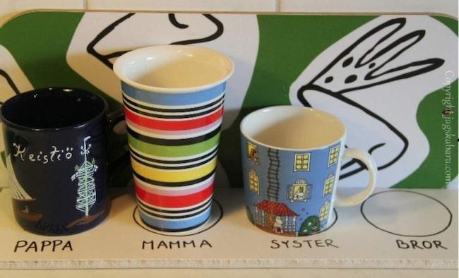 Slipp ha koppar och glas som samlas på hög i diskhon. Den hör lösningen är både snygg och enkel.