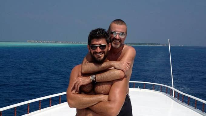 George Michael och pojkvännen Fadi Fawaz på semester 2012. Foto: PLANET PHOTOS / STELLA PICTURES PLANET PHOTOS