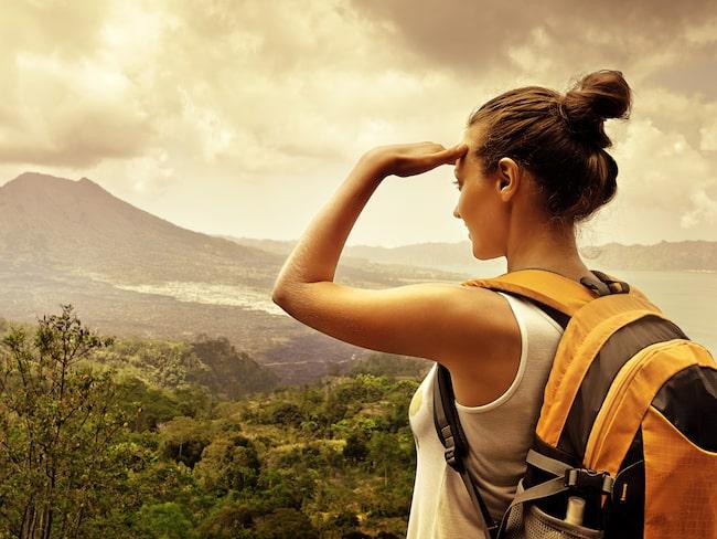 Kanske behöver du en multifunktionell lättviktsrygga som har allt för vandringen?