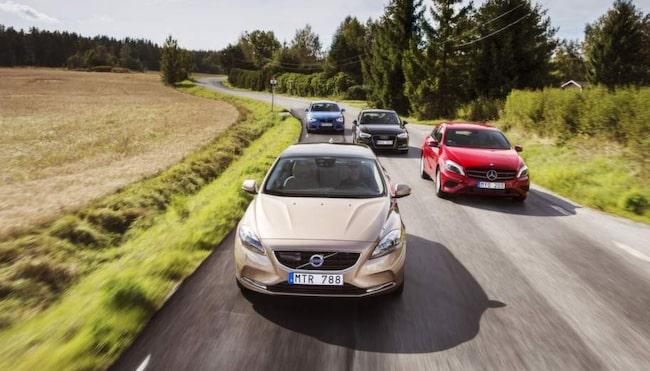 SMÅ PREMIUMBILAR. Volvo visar att man hör hemma i premiumsegmentet med Volvo V40.
