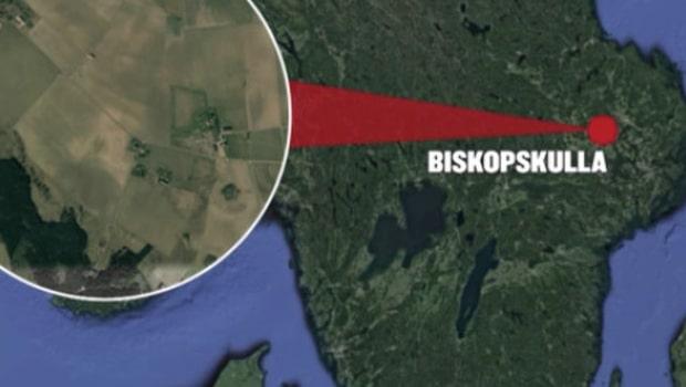Skolbuss har vält i Biskopskulla