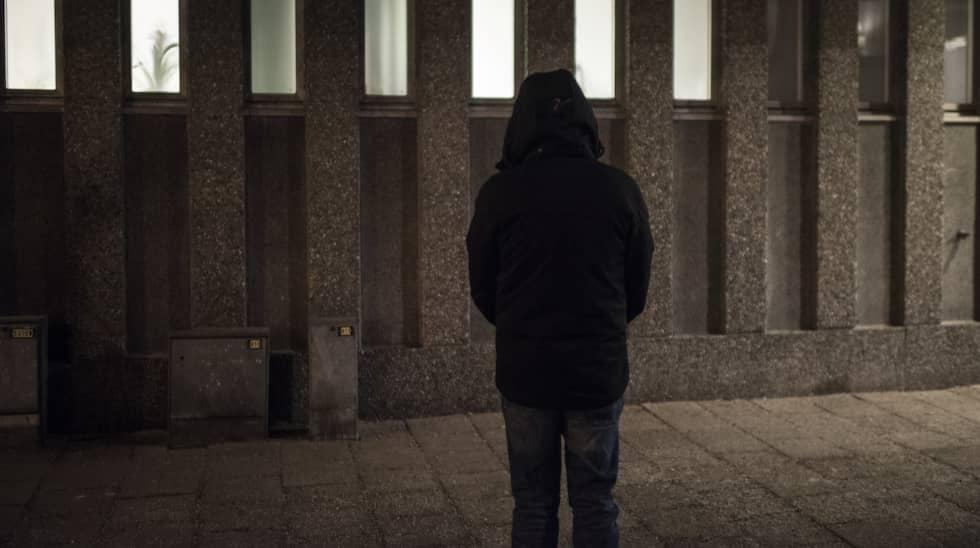Han kom hit som 19-åring. 30 år senare ångrar han sitt misstag. Foto: Expressen / CHRISTOFFER HJALMARSSON