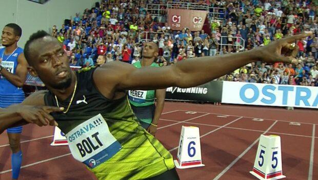 Usain Bolt lekte hem segern på 100 meter i Ostrava