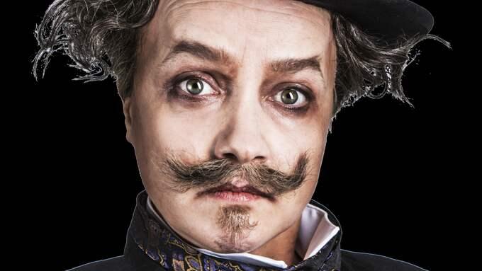 Siri Hamari som Strindberg. Foto: Elisabeth Ohlsson Wallin