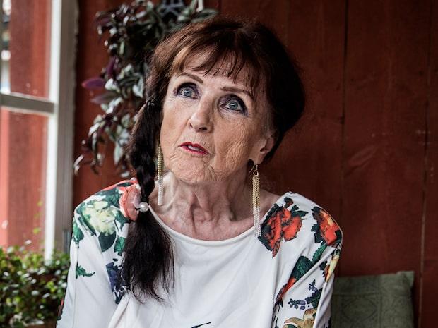 Vem är Elisabet Höglund?