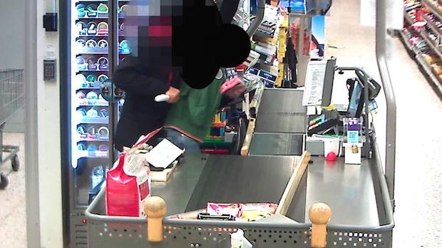 Här går maskerade rånaren till brutal attack på Coop