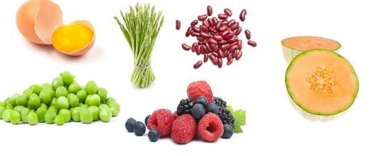 Se till att få i dig tillräckligt med frukt och bär för nervsystemets funktion.