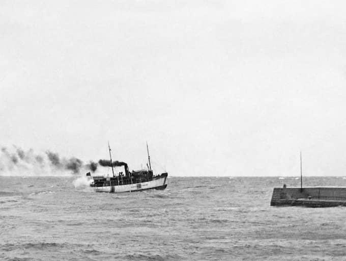 """""""Det var ett direkt attentat mot Sverige, dessutom mot ett oskyldigt passagerarfartyg. Den sovjetiska ubåten torpederade henne trots att hon var tydligt neutralitetsmärkt med en stor blågul flagga"""", säger Lars Kruthof, museipedagog på Gotlands museum."""