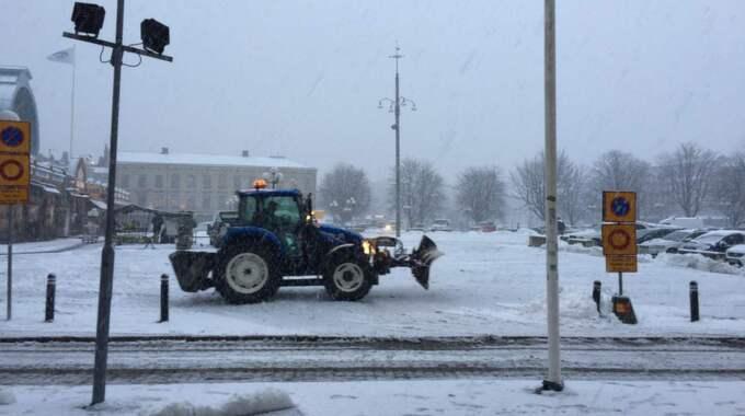 Snön vräkte ner över Västsverige på fredagen. Foto: Anette Fredriksson
