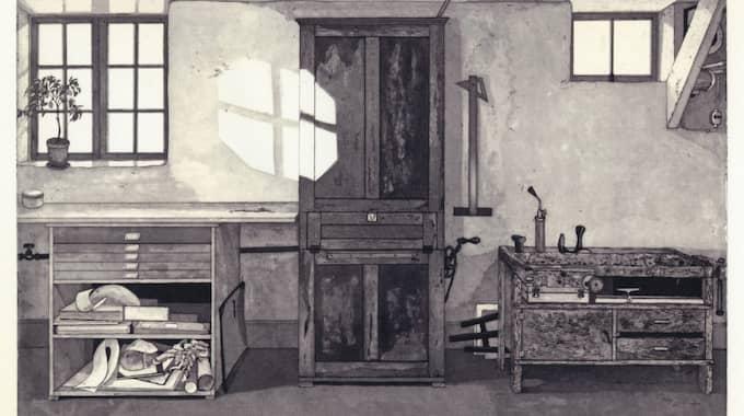 """Akvatintskåp"" av Mikael Wahrby."