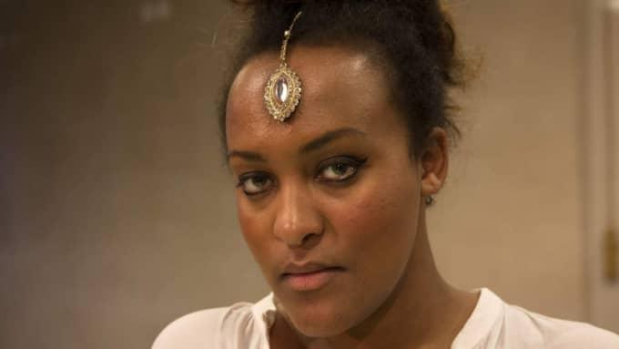 På onsdagen möts riksdagens tvärpolitiska Dawit Isaak-nätverk med talman Urban Ahlin, ambassadören i Eritrea Per Enarsson, journalisten Meron Estefanos, Dawits dotter Betlehem Isaak (bilden) och före detta parlamentarikern Olle Schmidt. Foto: Ylwa Yngvesson