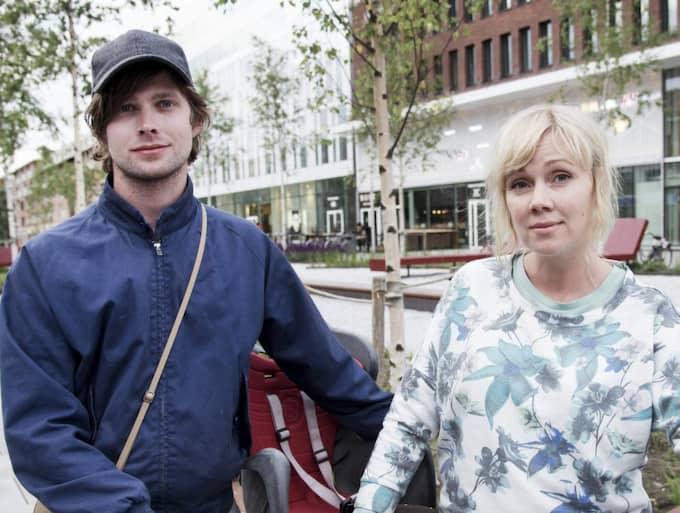 """Hur känner du inför att Niklas Lindgren, Hagamannen, återvänder till Västerbotten? Jonathan Palmquist, 31, säljare, Umeå: """"Det är svårt. Samtidigt som det talas mycket om honom så finns det många andra våldsamma män som man inte känner till."""" Anna Lundström, 35, kommunikatör, Umeå: """"Jag tror att staden är så präglad av vad som har hänt. Samtidigt är det svårt att undgå att tänka på frihetsfrågan: hur en persons frihet ställs mot kvinnors upplevda ofrihet."""""""