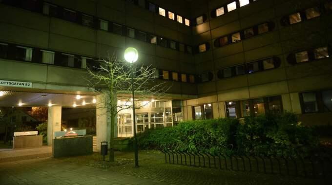 Migrationsverket planerade för att ha cirka hundra asylsökande boendes i receptionen på sitt huvudkontor i Norrköping - men ändrade sig i sista stund. Foto: Alex Ljungdahl