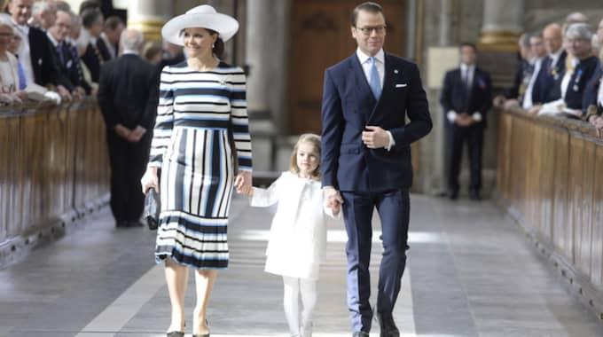 Kronprinsessan Victorias klänning från Dolce & Gabbana gjorde succé. Foto: Jessica Gow/TT