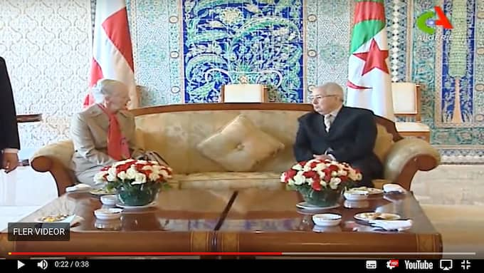 Inför tv-kamerorna fick det danska sällskapet kaffe och en pratstund med de algeriska värdarna. Foto: Canal Algérie