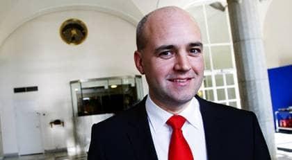 UPPÅT. Fredrik Reinfeldt kan glädja sig åt fina siffror - men allt är inte frid och fröjd i alliansen. Foto: Christine Olsson