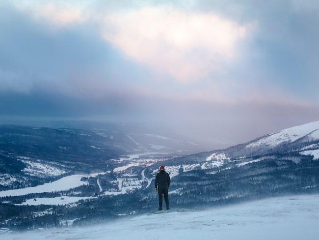 Svindlande utsikt över vackra Åreskutan.