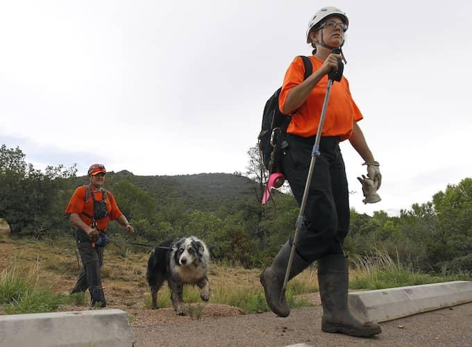 """Medlemmar av """"Tonto Rim Search and Rescue team"""". Foto: RALPH FRESO / AP TT NYHETSBYRÅN"""