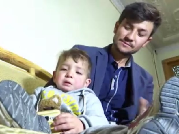 De tvingades fly – efter namnvalet på sonen