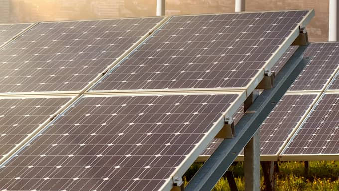 När norska forskningsinstitutet SINTEF testade solpaneler i en särskild klimatkammare visade det sig att den alternativa energikällan fungerar betydligt bättre än förväntat i det nordiska klimatet.