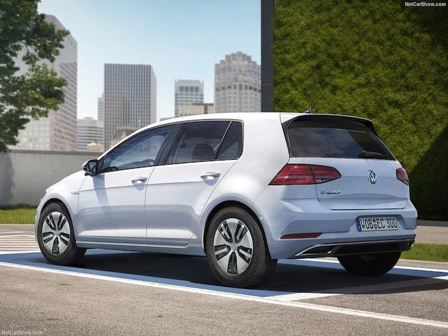 """""""Det mest märkliga med nya Volkswagen e-Golf är att det inte är så märkligt att köra den"""", skriver Jan-Erik Berggren."""