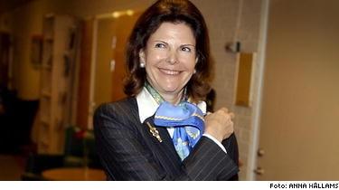 Drottning Silvia åkte till Brasilien och besökte Ligia Kogos klinik som speciliserat sig på Botoxinjektioner.