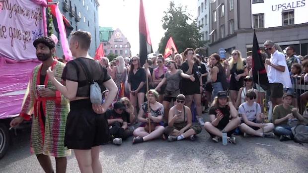 Sittstrejkade under prideparaden