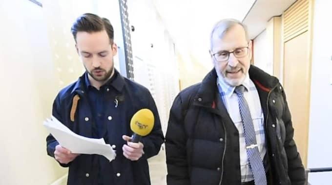 Expressens reporter David Baas konfronterade Nämndemannen Ortwin Lobbes, SD. Foto: Christian Örnberg