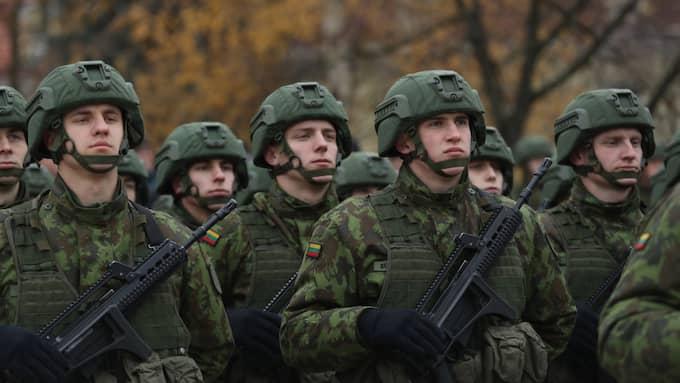 Runt 4000 soldater från Natoländer deltog i går i en övning i Litauen. Foto: Sean Gallup/GETTY IMAGES