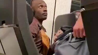 Benjamin Antwi, 40, släpades av tåget av polis