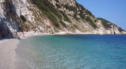 ELBA. Kristallklart vatten, ljuvlig mat och dryck och förföriskt trivsamt väder. Italienarna älskar sitt Elba, och nu är det svenskarnas tur att ta del av den toskanska ön.