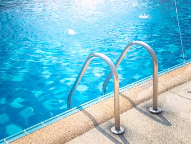 """Den nya tjänsten Swimply, som beskrivs som """"ett airbnb för pooler"""" gör det möjligt att boka en pool ett par timmar över dagen, eller en hel dag."""