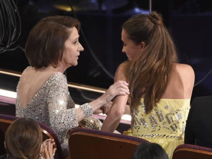 """Alicia Vikanders mamma tappade hakan när dottern prisades på Oscarsgalan för """"The danish girl"""". Foto: Chris Pizzello"""