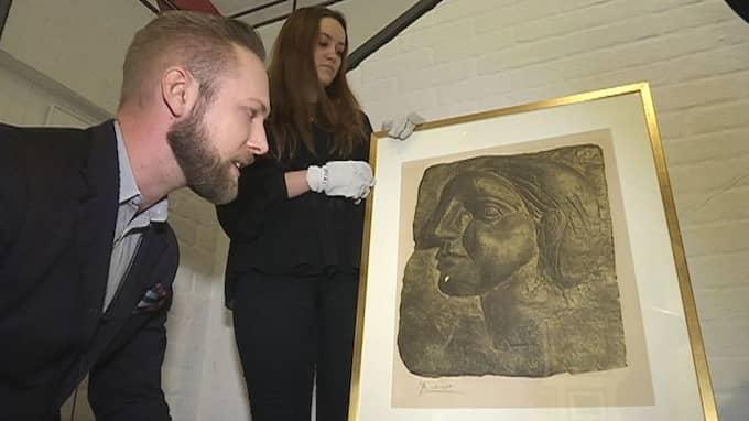 Vid den senaste inventeringen av Lidköpings kommuns konstsamling hittade man 625 bortglömda tavlor – bland annat en Picasso. Foto: SVT