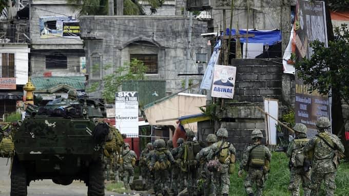 Minst 103 människor har dödats på mindre än en vecka i de blodiga sammandrabbningarna mellan IS-anslutna krigare och regeringsstyrkor i Filippinerna. Foto: FRANCIS R. MALASIG / EPA / TT