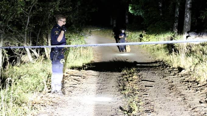 Kvinnan hittades död på en gård utanför Enköping i augusti förra året. Foto: CHRISTIAN HERMANSSON / UTRYCKNING UPPSALA